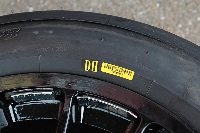 Čárový kód u pneumatik v GT závodech
