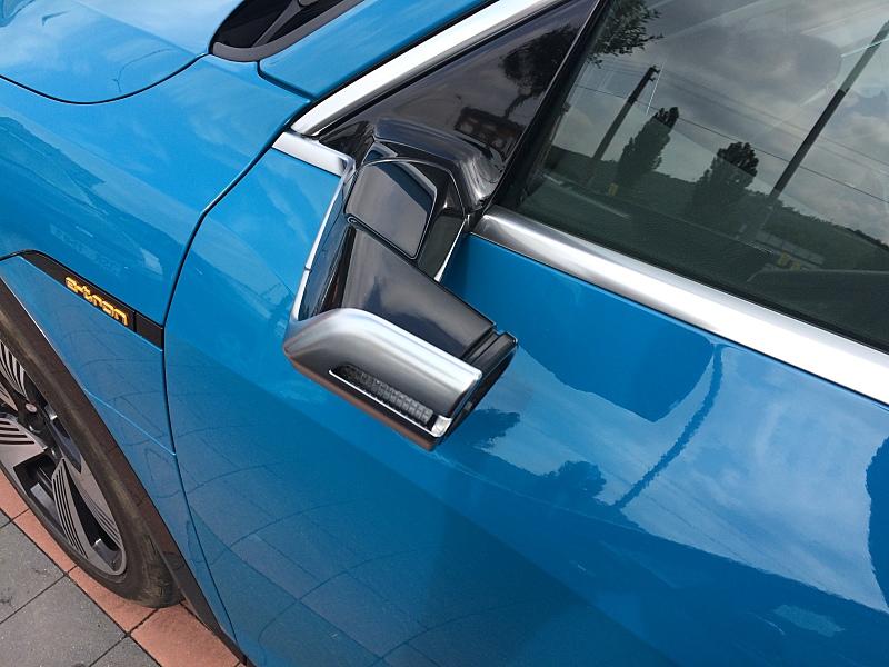 Audi e-tron 55 Quattro - elektromobil