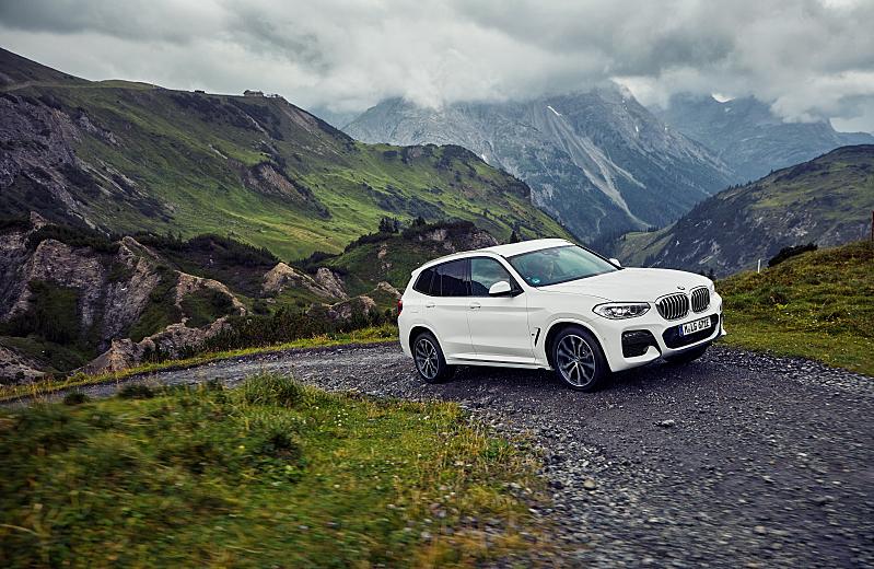 BMW X3 xDrive30e - plug-in hybrid