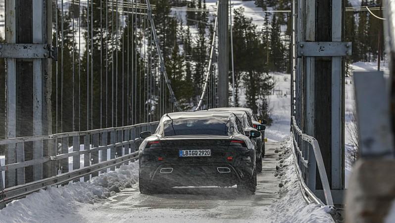 Porsche Taycan testy